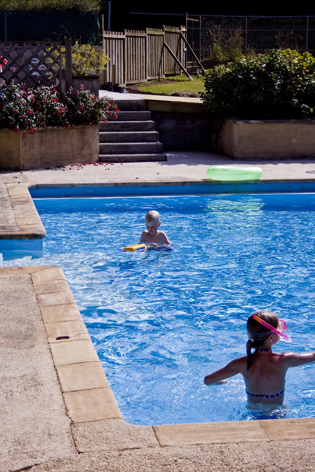 Equipement du domaine la piscine le tennis domaine for Equipement de piscine